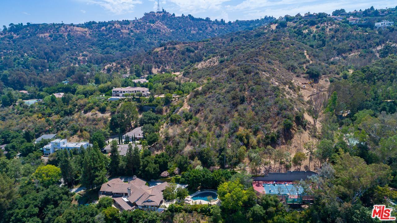 Photo of 12003 BRIARVALE Lane, Studio City, CA 91604 (MLS # 19533510)