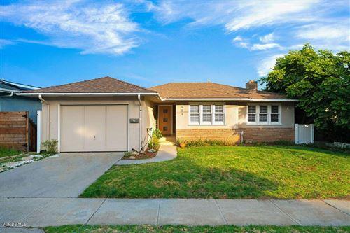 Photo of 954 TERRACINA Drive, Santa Paula, CA 93060 (MLS # 219011514)