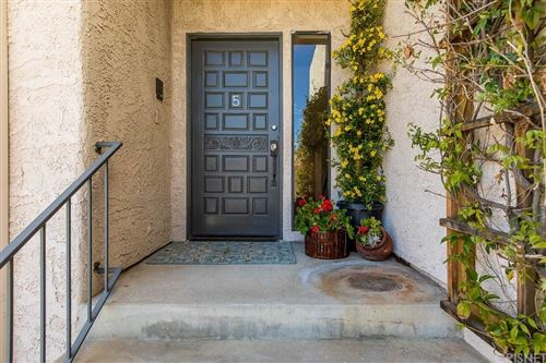 Photo of 4315 FREEDOM Drive, Calabasas, CA 91302 (MLS # SR20051514)