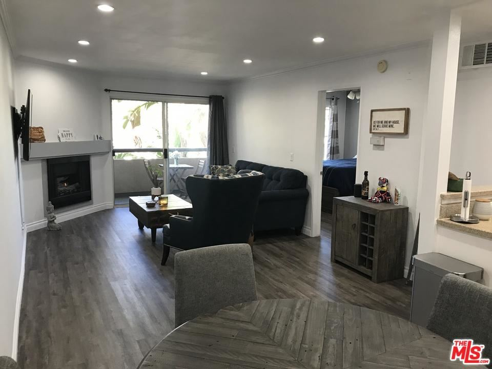 Photo for 5535 CANOGA Avenue #126, Woodland Hills, CA 91367 (MLS # 19454520)