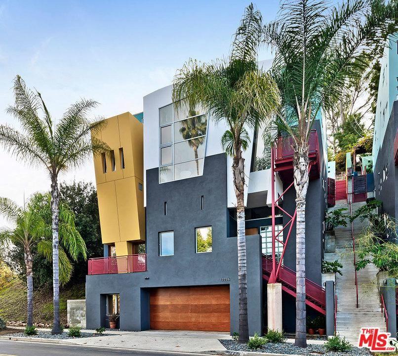 Photo of 12236 LAUREL TERRACE Drive, Studio City, CA 91604 (MLS # 19533520)