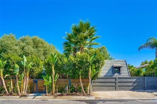 Photo of 20715 DEFOREST Street, Woodland Hills, CA 91364 (MLS # 219012528)