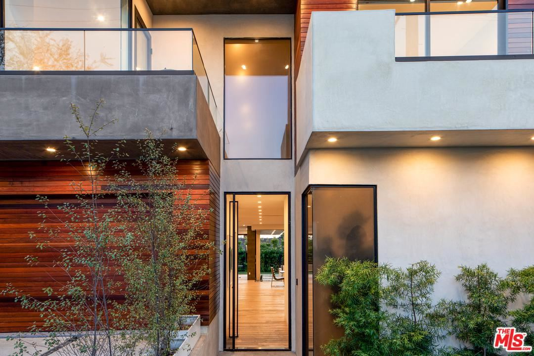 Photo of 3047 GREENFIELD Avenue, Los Angeles , CA 90034 (MLS # 20557528)