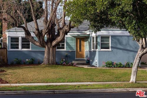 Photo of 431 South GRIFFITH PARK Drive, Burbank, CA 91506 (MLS # 20545530)