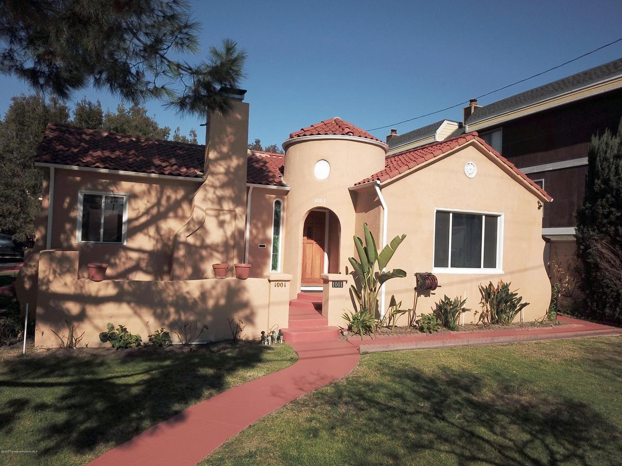 Photo of 1001 MONTEREY Road, Glendale, CA 91206 (MLS # 820000530)