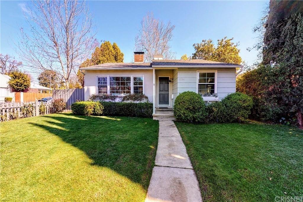 Photo of 5754 NORWICH Avenue, Sherman Oaks, CA 91411 (MLS # SR20042533)