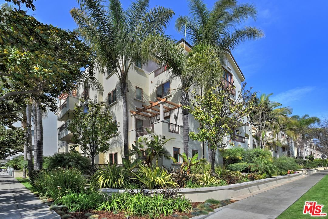 Photo of 261 South REEVES Drive #102, Beverly Hills, CA 90212 (MLS # 20561536)