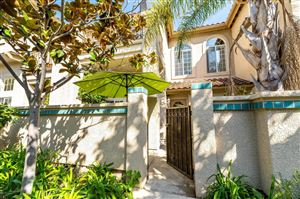 Photo of 644 WARWICK Avenue, Thousand Oaks, CA 91360 (MLS # 219003537)