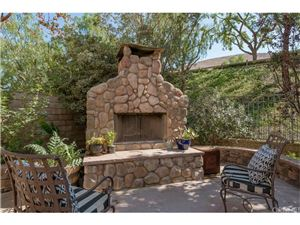 Photo of 186 PARKSIDE Drive, Simi Valley, CA 93065 (MLS # SR19005540)