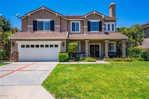 Photo of 587 WINNCASTLE Street, Simi Valley, CA 93065 (MLS # 219014542)