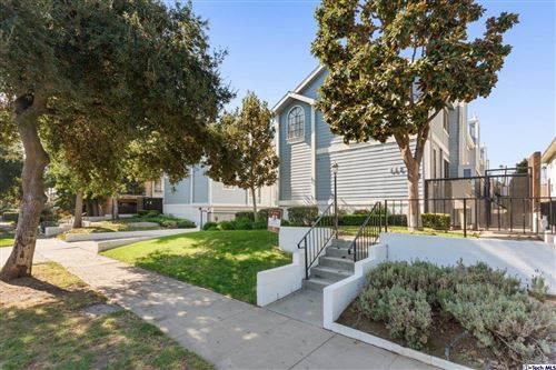 Photo of 625 North MAR VISTA Avenue #2, Pasadena, CA 91106 (MLS # 319004542)