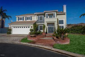 Photo of 385 GLEN EAGLES Way, Simi Valley, CA 93065 (MLS # 218000547)
