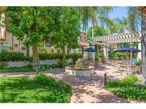 Photo of 22271 ERWIN 1/2 Street, Woodland Hills, CA 91367 (MLS # SR18165551)