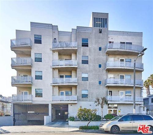 Photo of 1025 DEWEY Avenue #404, Los Angeles , CA 90006 (MLS # 20547554)