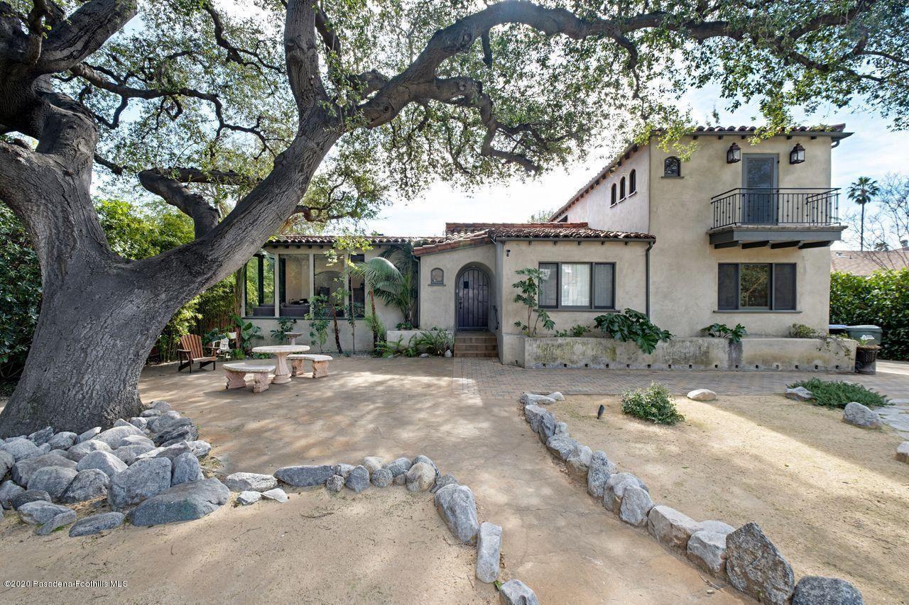Photo of 1836 HOMEWOOD Drive, Altadena, CA 91001 (MLS # 820000554)