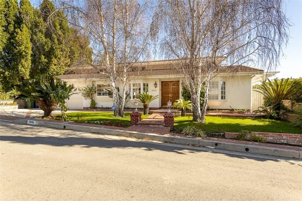 Photo of 5942 ELLENVIEW Avenue, Woodland Hills, CA 91367 (MLS # SR20027554)