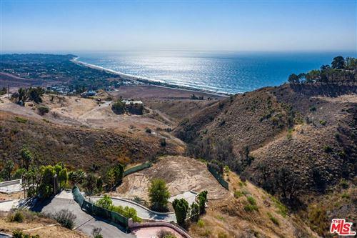 Photo of 31240 BEACH VIEW ESTATES Drive, Malibu, CA 90265 (MLS # 19525556)