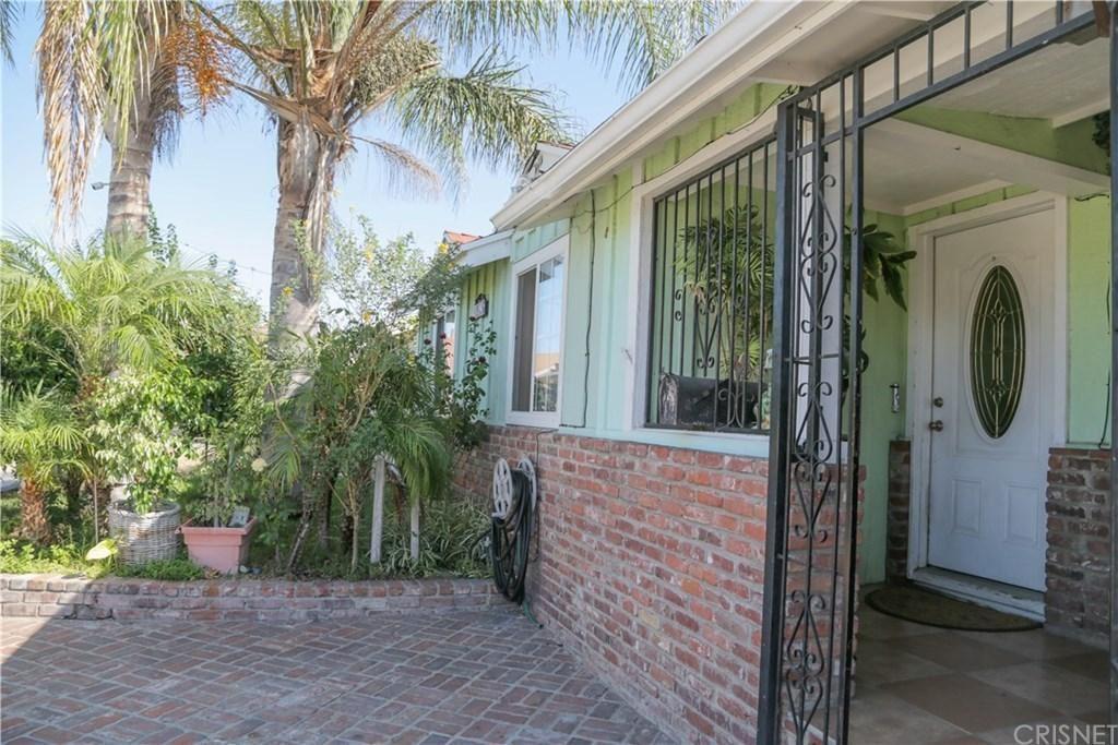 Photo of 12606 KESWICK Street, North Hollywood, CA 91605 (MLS # SR19215558)