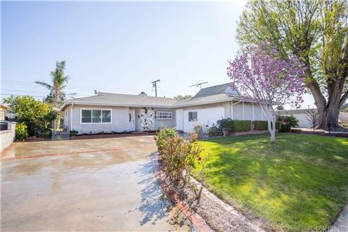 Photo of 9652 DELCO Avenue, Chatsworth, CA 91311 (MLS # SR20034561)