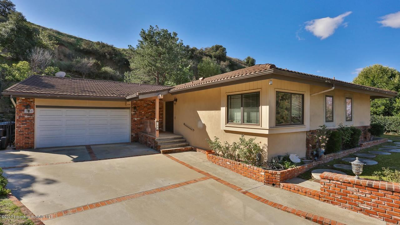 Photo of 2660 SLEEPY HOLLOW Place, Glendale, CA 91206 (MLS # 820000562)