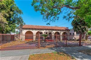 Photo of 3003 VINEYARD Avenue, Los Angeles , CA 90016 (MLS # SR19135564)