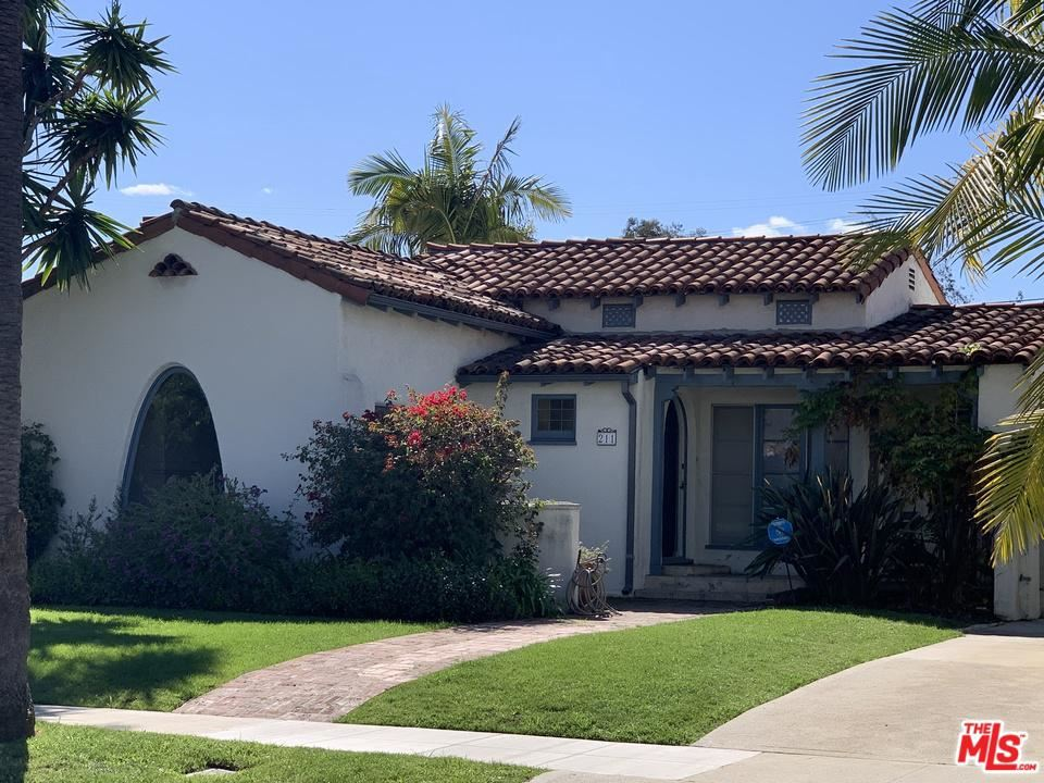 Photo of 211 South CARSON Road, Beverly Hills, CA 90211 (MLS # 20565564)