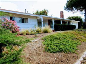 Photo of 9 East GAINSBOROUGH Road, Thousand Oaks, CA 91360 (MLS # 218007565)