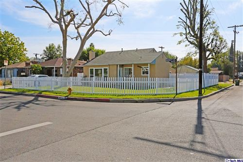 Photo of 14754 BASSETT Street, Van Nuys, CA 91405 (MLS # 319004567)