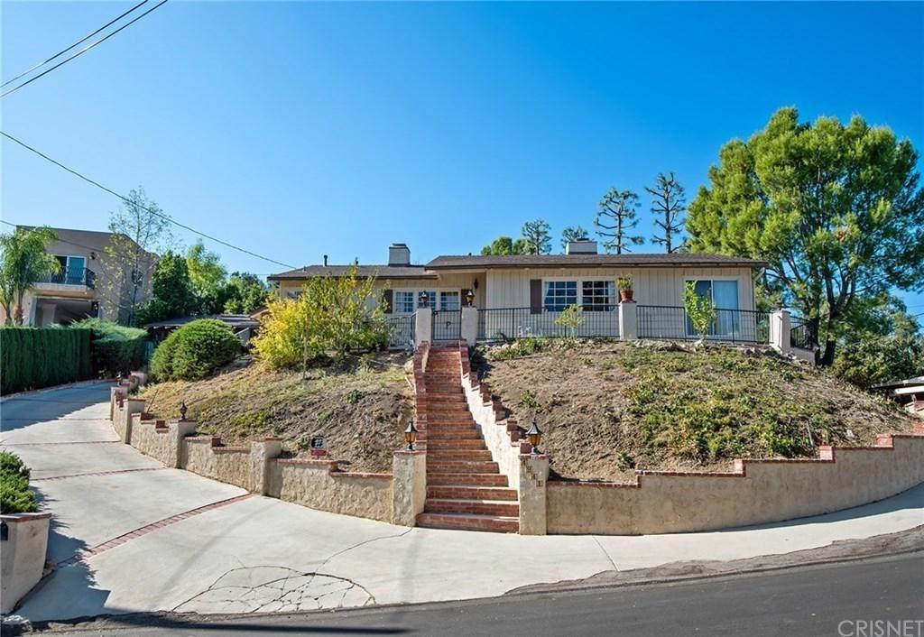 Photo for 4941 ESCOBEDO Drive, Woodland Hills, CA 91364 (MLS # SR19258568)