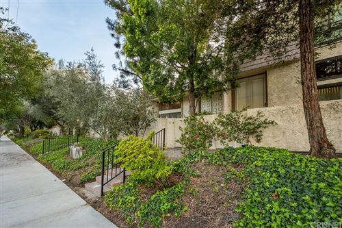 Photo of 6145 SHOUP Avenue #58, Woodland Hills, CA 91367 (MLS # SR20051570)