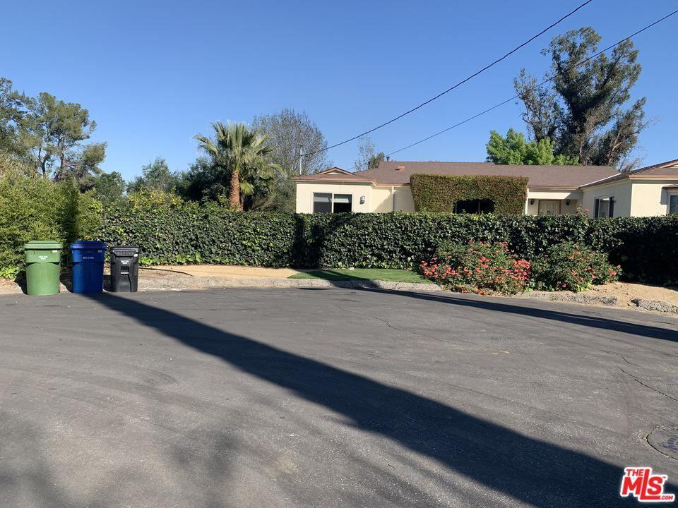 Photo of 5340 AURA Avenue, Tarzana, CA 91356 (MLS # 20556574)