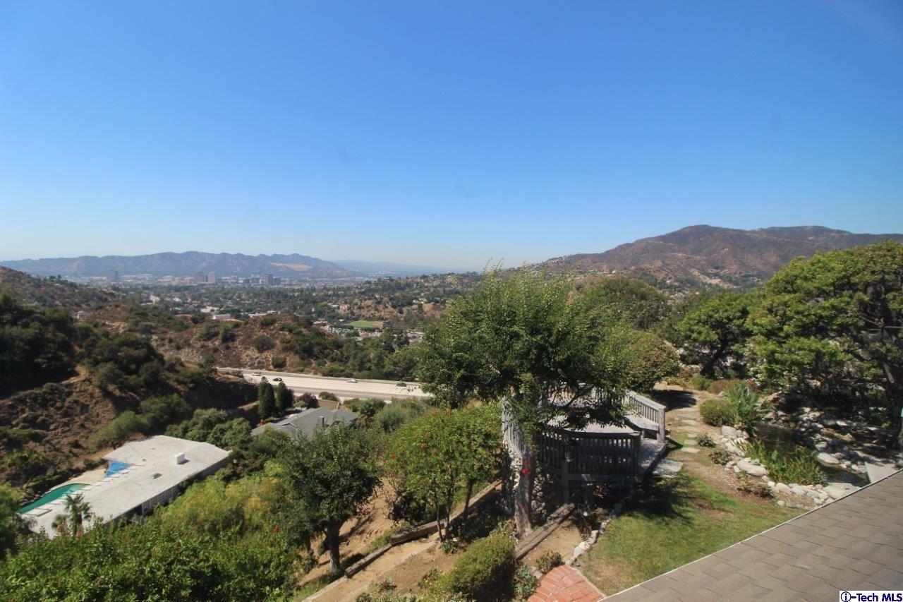 Photo of 1601 VIRDEN Drive, Glendale, CA 91208 (MLS # 320000583)