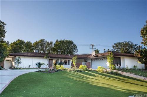 Photo of 9461 GIVENS Place, Northridge, CA 91325 (MLS # SR19267584)