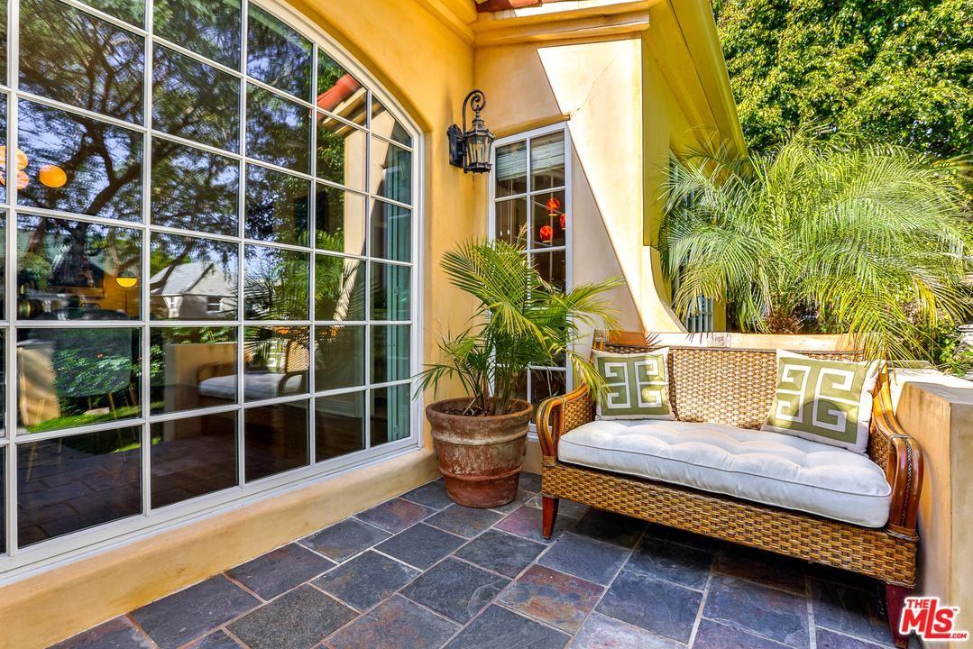 Photo of 1367 South SIERRA BONITA Avenue, Los Angeles , CA 90019 (MLS # 20557584)