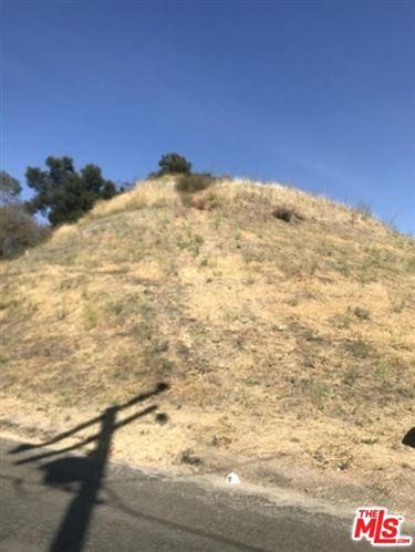 Photo of 30124 TREVYELON Street, Castaic, CA 91384 (MLS # 20543588)