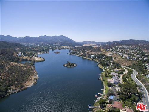 Photo of 2023 TRENTHAM Road, Lake Sherwood, CA 91361 (MLS # 20539590)