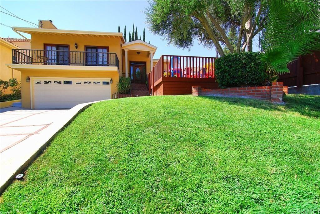 Photo of 5425 TAMPA Avenue, Tarzana, CA 91356 (MLS # SR19285593)