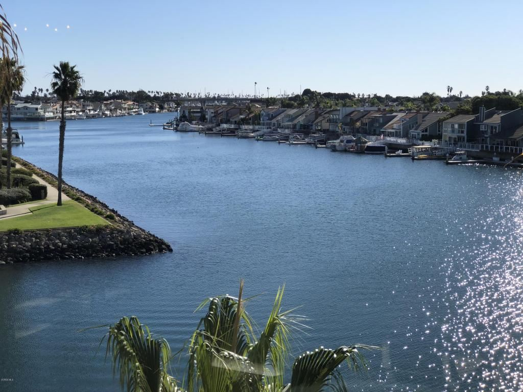 Photo for 1715 EMERALD ISLE Way, Oxnard, CA 93035 (MLS # 217014594)