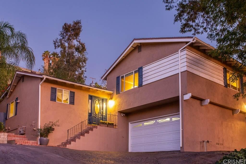 Photo for 5216 DON PIO Drive, Woodland Hills, CA 91364 (MLS # SR19259594)