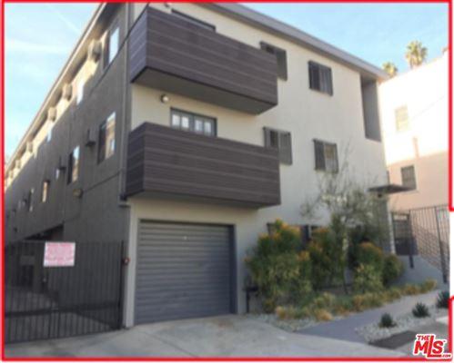 Photo of 1643 North MARTEL Avenue, Los Angeles , CA 90046 (MLS # 19491598)
