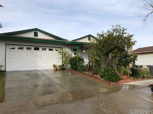 Photo of 22509 LOS TIGRES DR, Saugus, CA 91350 (MLS # SR20004598)