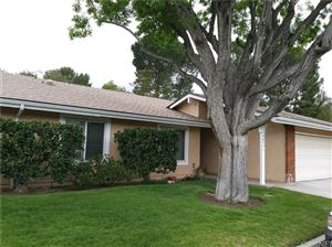 Photo of 26495 FAIRWAY Circle, Newhall, CA 91321 (MLS # SR18114599)