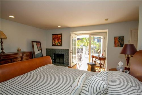 Tiny photo for 4317 CANOGA Drive, Woodland Hills, CA 91364 (MLS # SR20023601)