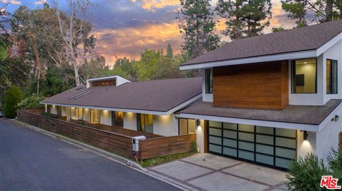 Photo of 4822 QUEEN VICTORIA Road, Woodland Hills, CA 91364 (MLS # 20549604)
