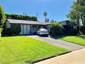 Photo of 11838 PASO ROBLES Avenue, Granada Hills, CA 91344 (MLS # SR19225606)