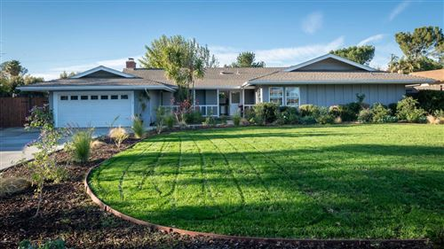 Photo of 1089 WAVERLY HEIGHTS Drive, Thousand Oaks, CA 91360 (MLS # 220000610)