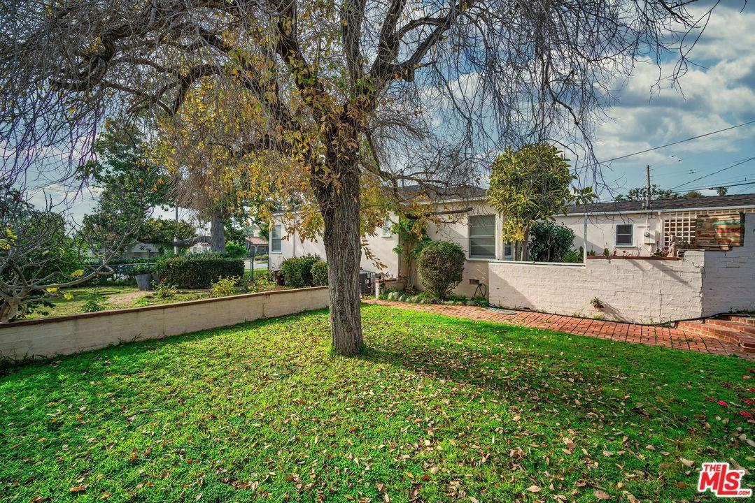 Photo of 1101 STANFORD Street, Santa Monica, CA 90403 (MLS # 20548612)