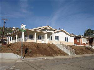 Photo of 951 LA VUELTA Place, Santa Paula, CA 93060 (MLS # 219000617)