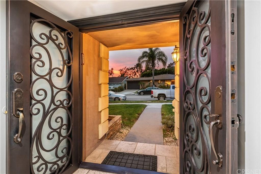 Photo of 5344 ALCOVE Avenue, Valley Village, CA 91607 (MLS # SR19282620)
