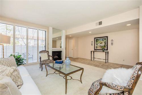 Photo of 22315 ERWIN Street, Woodland Hills, CA 91367 (MLS # 220000624)